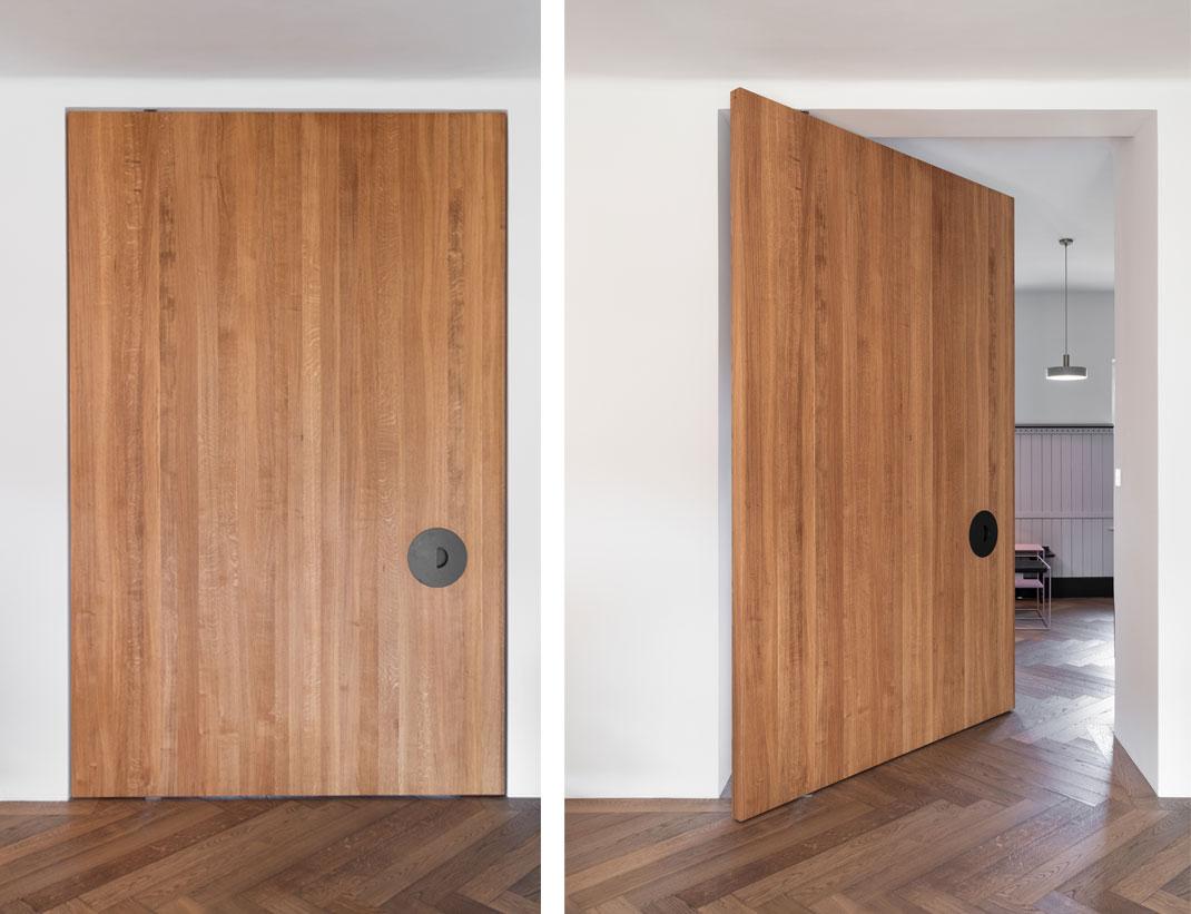 "Pivot Doors Model ""SVING"" Wood"