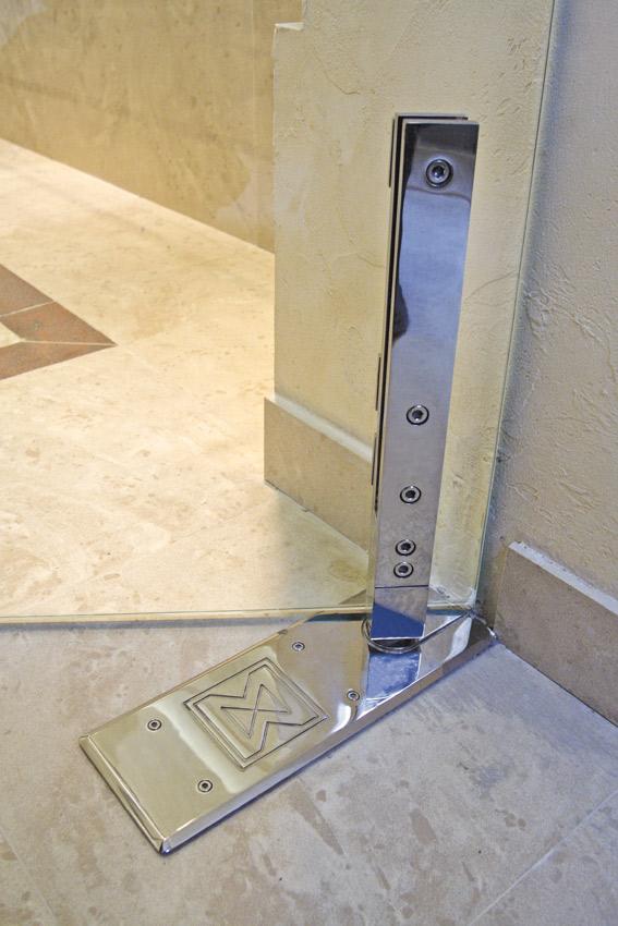 """Pivot Door Model """"Akzent"""" Shower System Detail"""